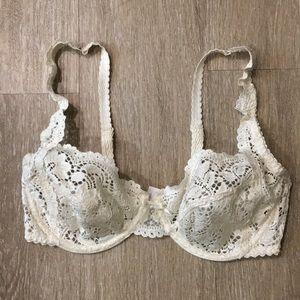 34C Chantelle ivory lace bra no padding